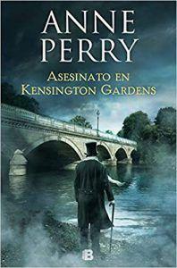 Asesinato en Kensington Gardens es un libro de suspense de Anne Perry que cuenta cómo fue la sucesión de la reina de Inglaterra durante la época victoriana. Descubre los mejores libros de suspense en Leer para Pensar, tu blog de lectura y reseñas de libros sin publicidad.